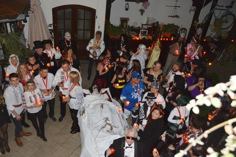 halloween-tours-transylvania-party-sighisoara